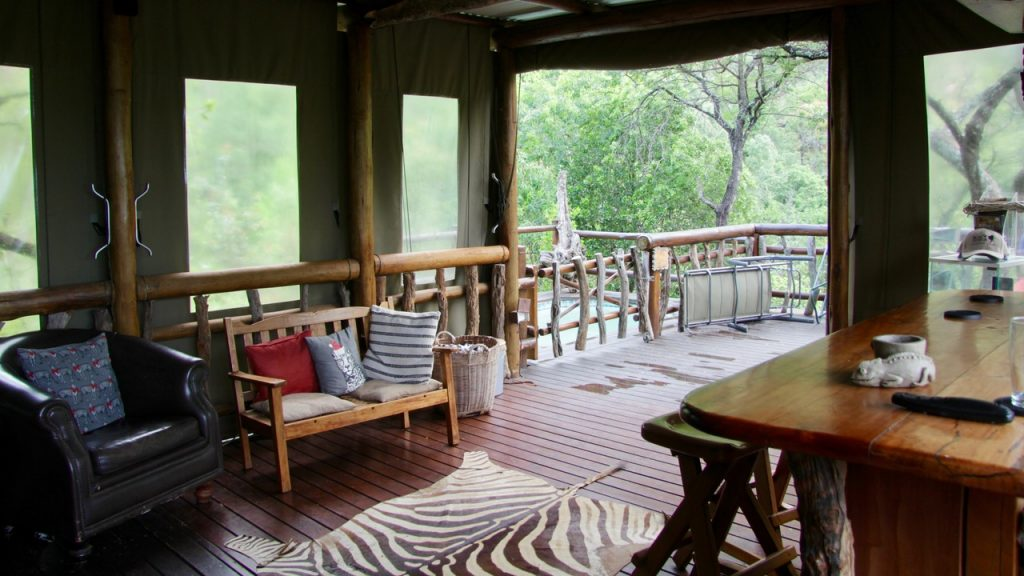 Communal lounge area at Black Leopard Mountain Lodge